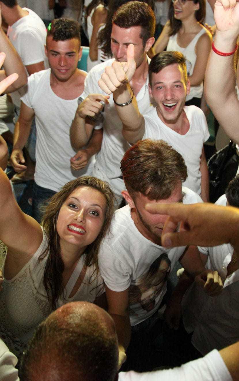 Lefkas Cruises Κρουαζιέρες Λευκάδα Makedonia Palace White Party