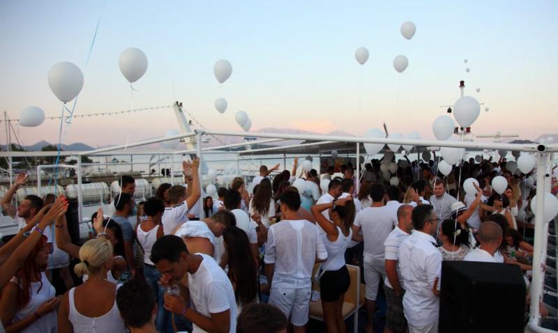 Lefkada Cruises Lefkas Cruises Whyte Party Seven Islands Cruises
